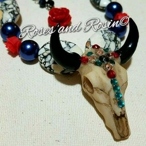 Jewelry - Cowskull necklace